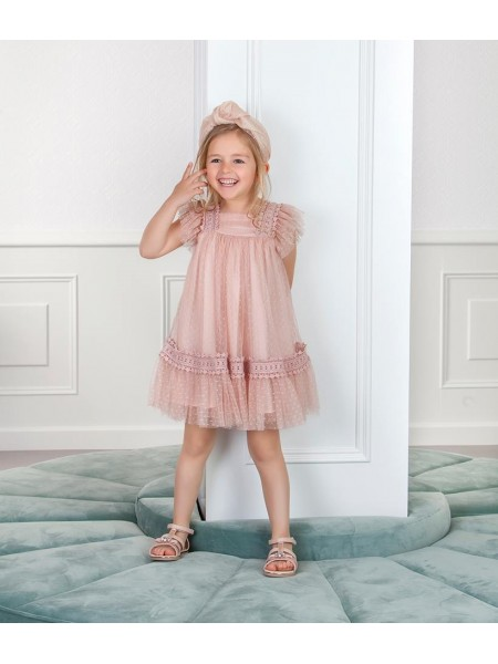 c7926671b No hay que perder de vista otra propuesta  el tul rosa empolvado. Es la  elección ideal para acudir a eventos como comuniones o bodas. Vestido de  Niña ...